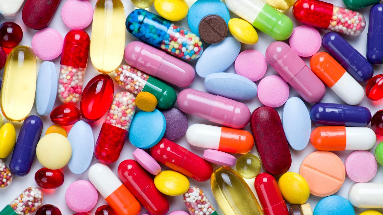 Pills.jpg (1600×900)